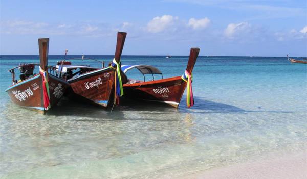 Thailands kristallklares Meerwasser