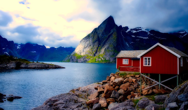 Norwegen Reise - Haus am norwegischen Fjord