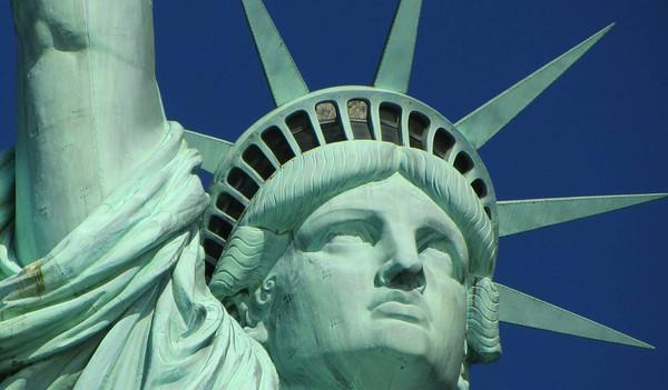 Die berühmte Freiheitsstatue vor New York.