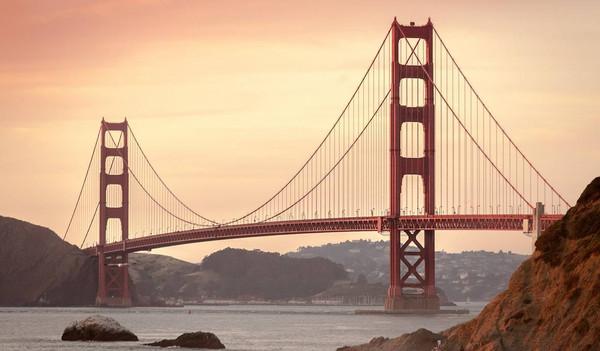 Die berühmte Golden Gate Bridge von San Francisco